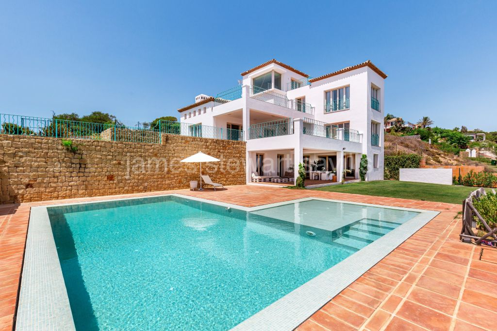 Sotogrande, Lovely family home with some of the best views panoramic views in Sotogrande