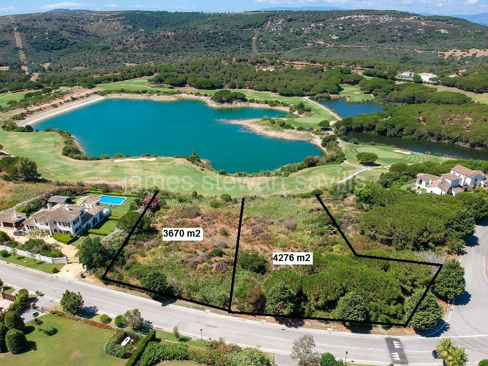 Sotogrande, Fantiastic 3,670m2 plot frontline onto the Almenara Golf course