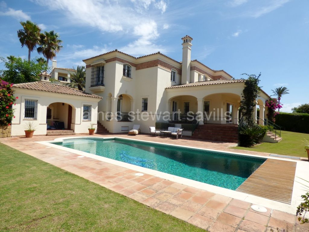 Sotogrande, Superb 6 bedroom villa with magnificent viewsmin Sotogrande Alto.