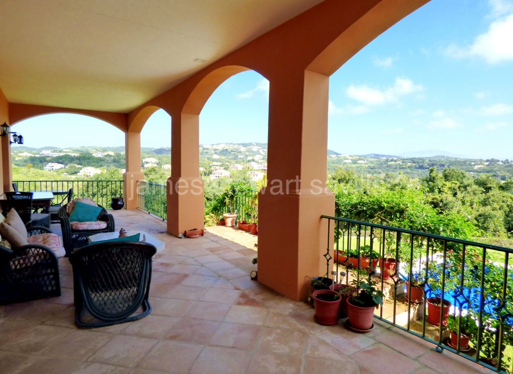 Sotogrande, 4 bedroom villa with immense basement in a very quiet established area with lovely views over Sotogrande