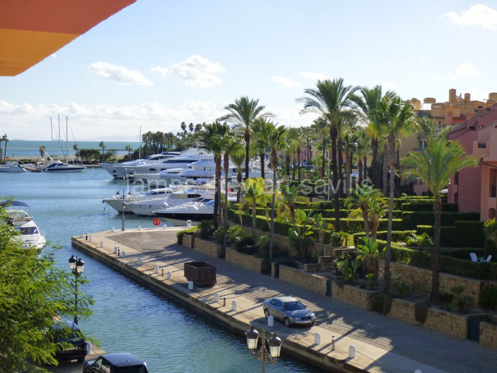 Sotogrande, Quiet 2 bedroom apartment in the Puerto Deportivo de Sotogrande