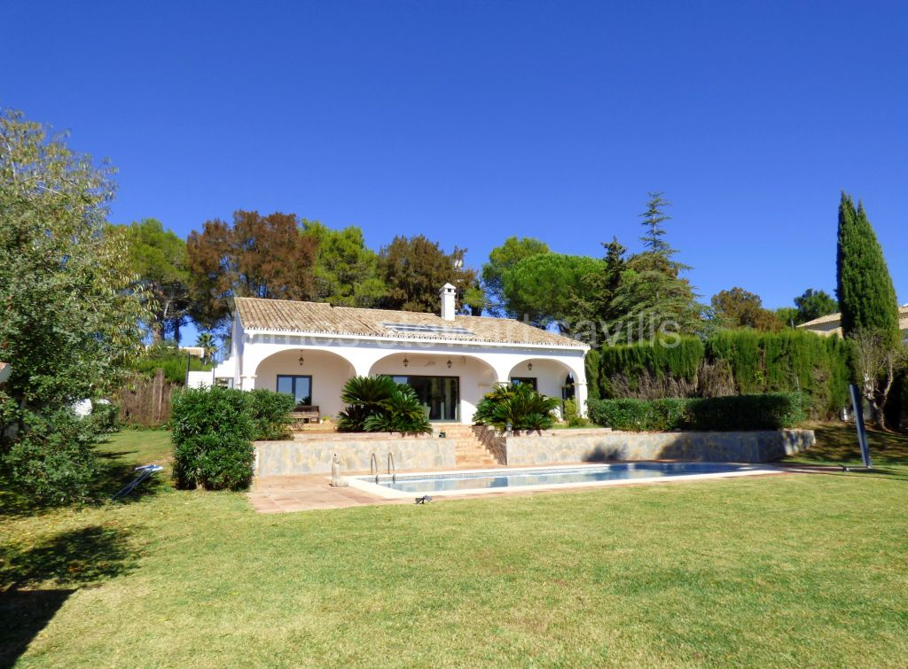 Sotogrande, South facing 2/3 bedroom villa in the Valderrama area of Sotogrande