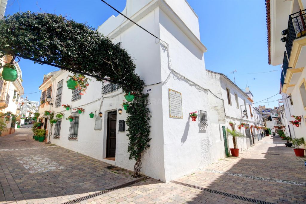Estepona, Charming townhouse for sale in Estepona old Town