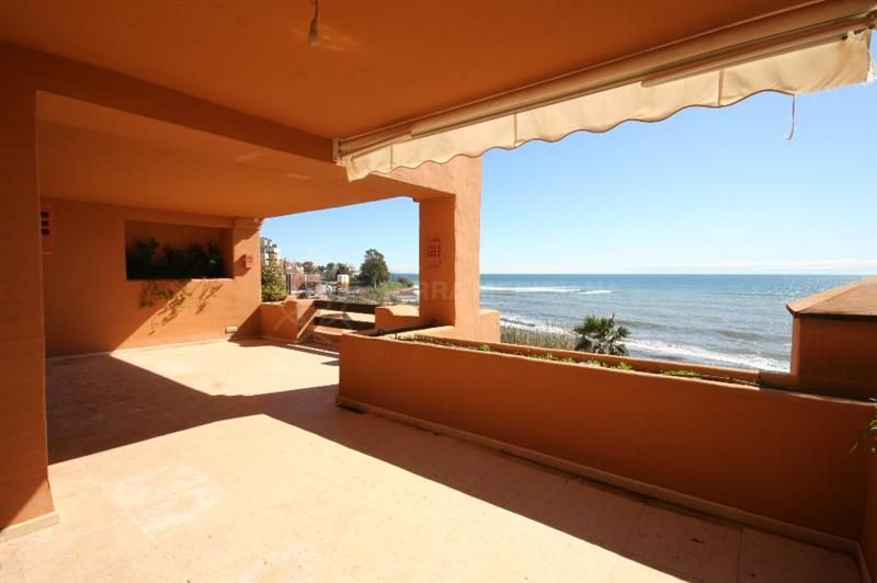 Estepona, Front line beach apartment for sale in Los Granados del Mar, Estepona