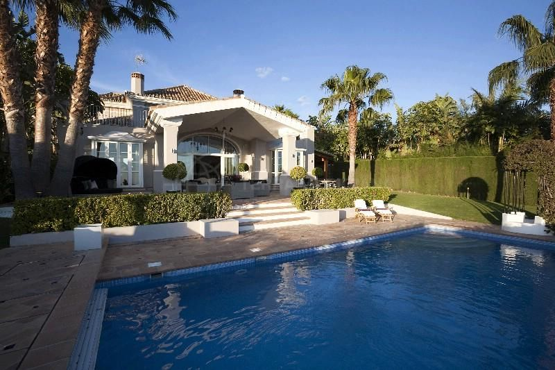 Marbella Golden Mile, Beautiful villa with spectacular sea views for sale in Sierra Blanca, Marbella Golden Mile