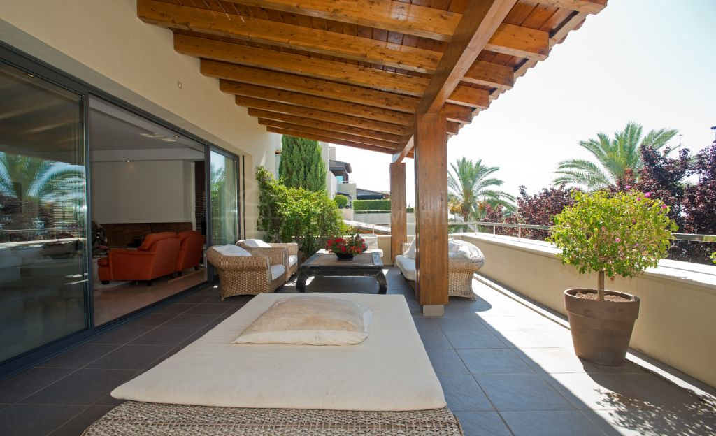 Marbella Golden Mile, Stylish modern apartment in the exclusive gated community of IMARA, Sierra Blanca, Marbella