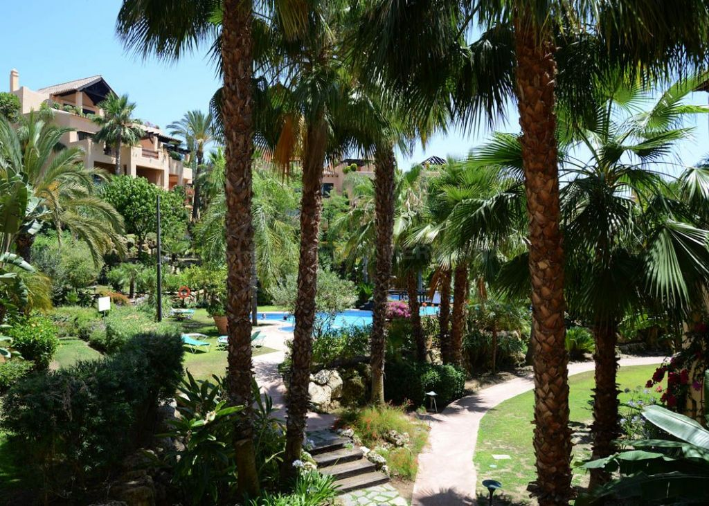 Estepona, El Campanario - 2 bedroom apartment for sale