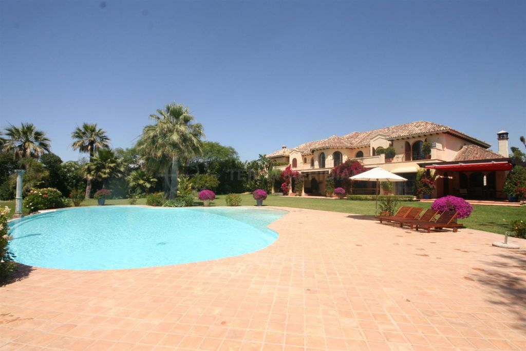 Estepona, Luxury front line beach villa with superb views, El Paraiso.