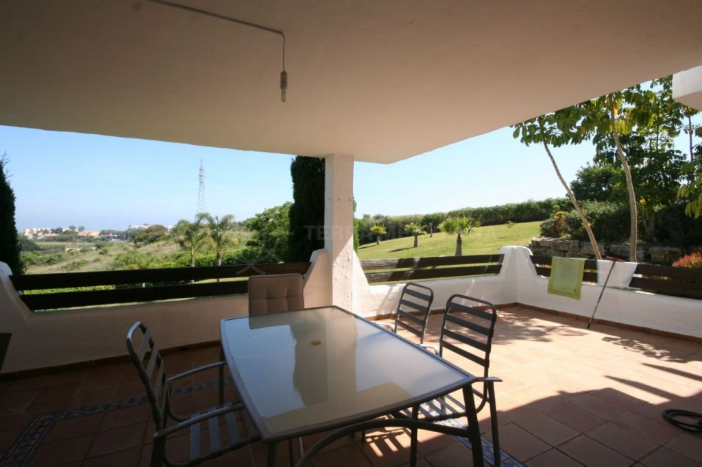 Estepona, Large 3 bedroom ground floor apartment for sale in Selwo Hills