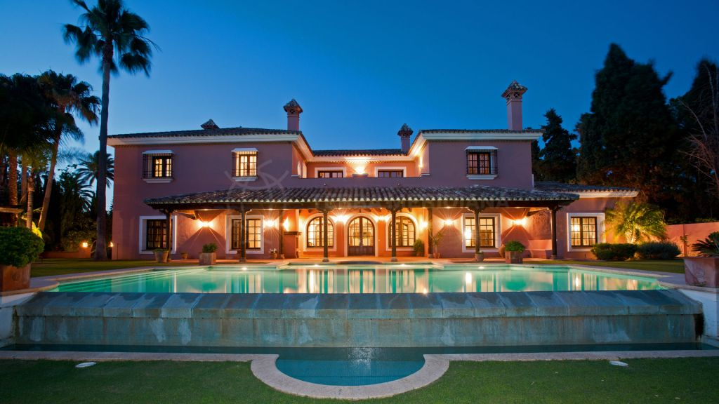 San Pedro de Alcantara, Luxury six bedroom beachside villa for sale, Guadalmina Baja, Marbella