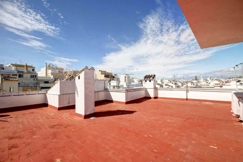 Estepona, 4 bedroom apartment for sale in the heart of Estepona Old Town