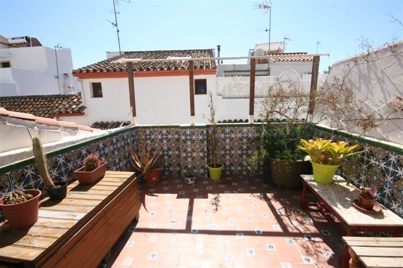 Estepona, Charming townhouse for sale in Estepona centre, close to amenities and the beach