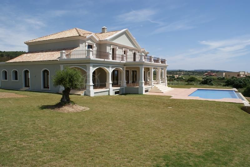 Sotogrande, Fabulous neoclasical villa for sale with super golf and sea views