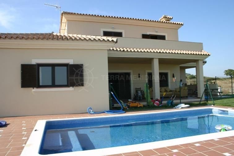 Sotogrande, Spacious villa for sale with views across Sotogrande, Gibraltar and North Africa