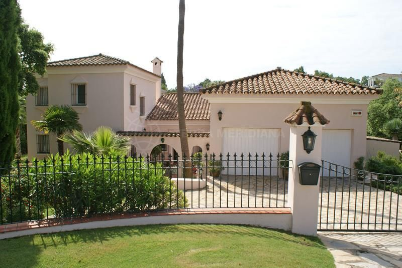 Sotogrande, Immaculately maintained south facing villa for sale in Sotogrande Costa