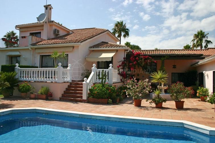 Sotogrande, A large family villa for sale at the heart of Sotogrande