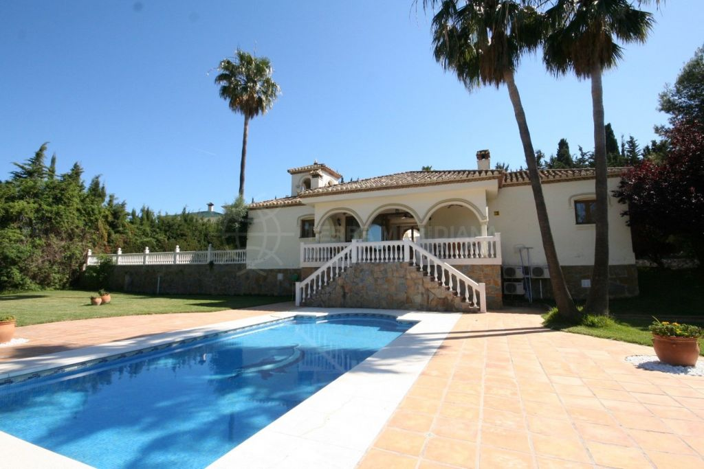 Estepona, Andalucian-style villa for sale on large plot in Cancelada, Estepona