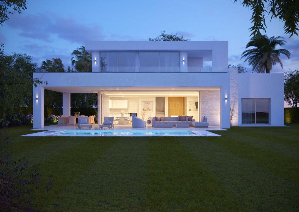 Villa in Rio Real, Marbella East