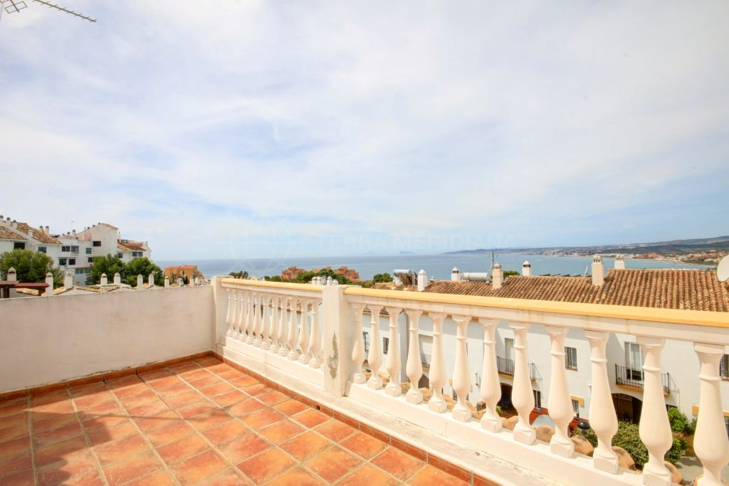 Estepona, Large Townhouse for sale in the established complex of Seghers, with sea views from the top floor and 4 double bedrooms