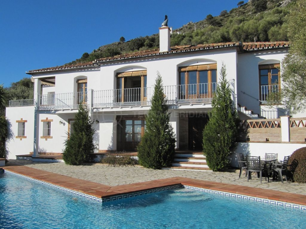 Gaucin, Beautiful 4 bedroom country Finca for sale just outside Gaucin, walking distance to the village with private pool and sea views