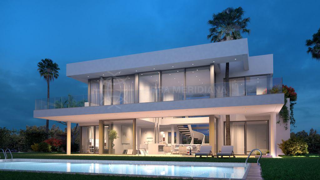 San Pedro de Alcantara, Contemporary off plan 4 bedroom villa for sale in Linda Playa Baja, walking distance to the beach with private pool
