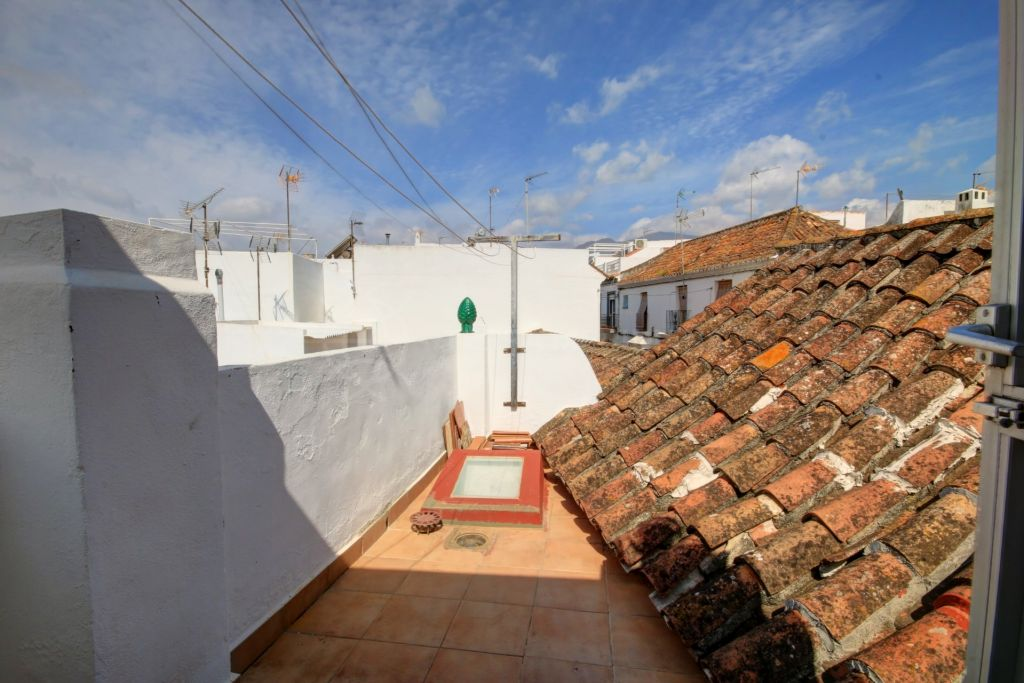 Estepona, Quaint townhouse for sale in the old town of Estepona, walking distance to the beach and all amenities