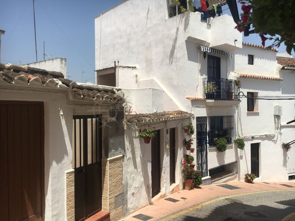 Estepona, Fantastic development opportunity for sale in Estepona old town