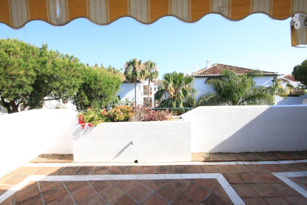 Estepona, Lovely penthouse in El Presidente, Estepona Beachside
