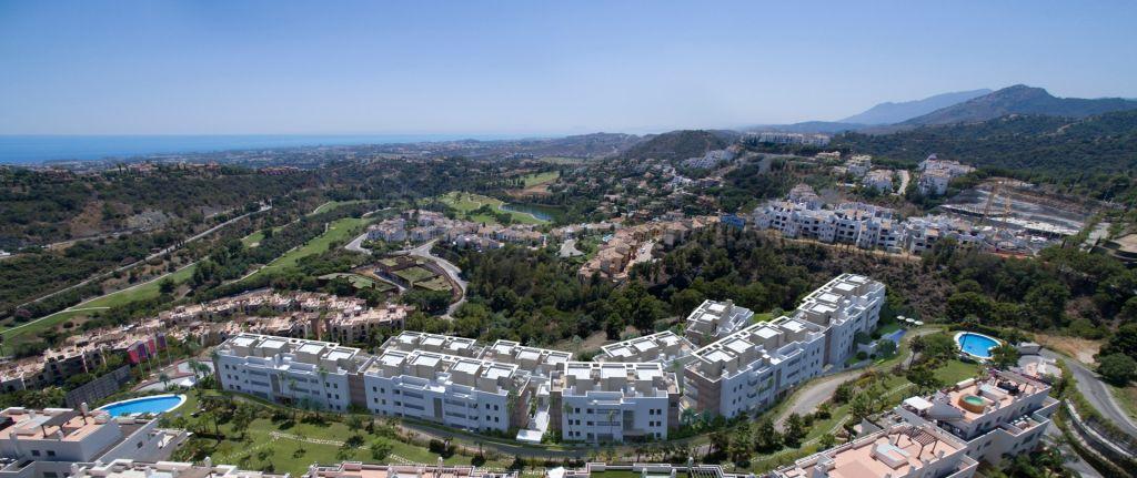 Benahavis, New off plan 3 bedroom Penthouse apartment for sale in La Reserva de Alcuzucuz, walking distance to La Alqueria Golf with sea views