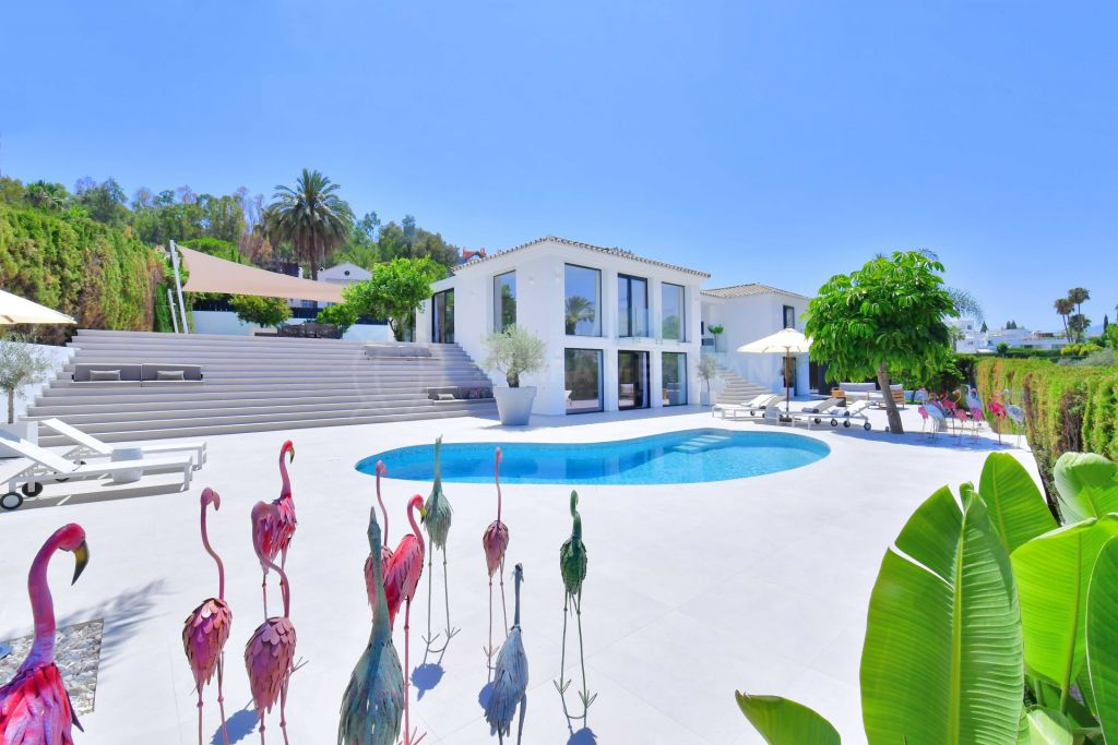 Nueva Andalucia, Refurbished luxury villa for sale, with swimming pool and mountain views, Las Brisas, Nueva Andalucia