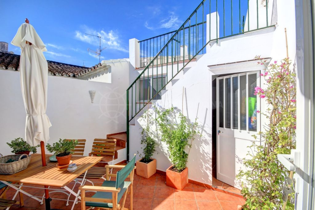 Estepona, Fully reformed traditional townhouse for sale in the old town center of Estepona.