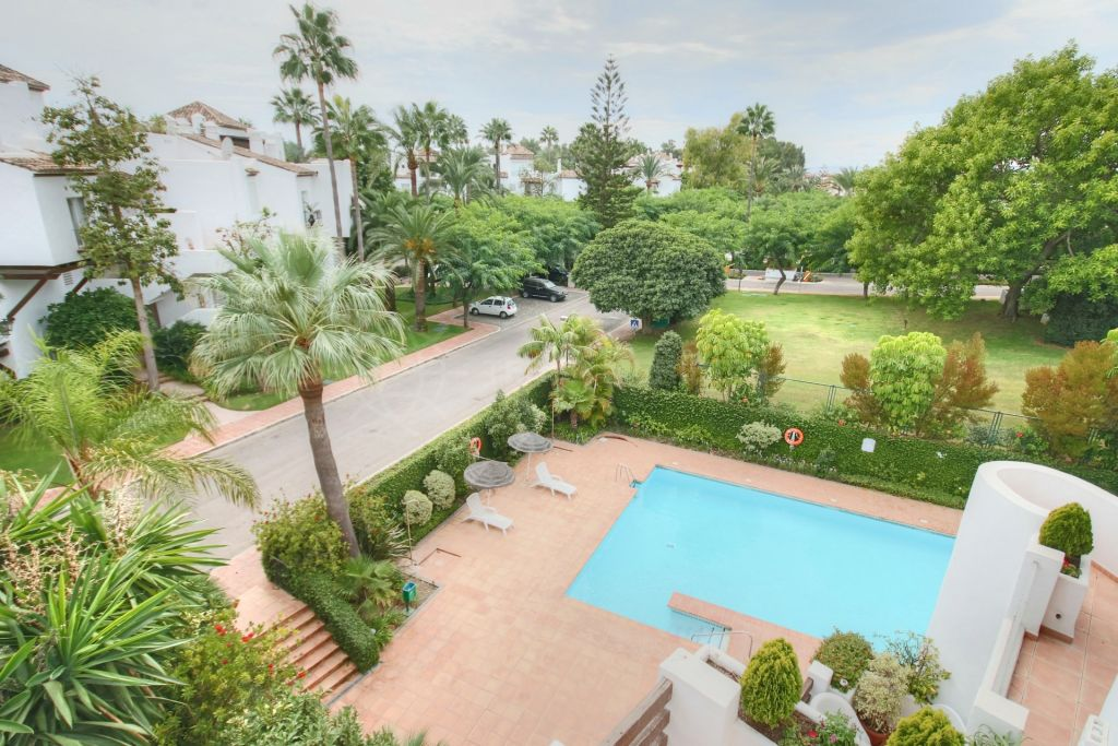 Estepona, Penthouse apartment for sale in Alcazaba Beach, a frontline beach complex located by Estepona centre
