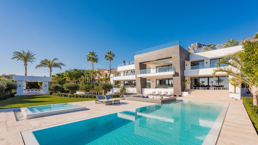Marbella Golden Mile, Stunning modern villa for sale in Sierra Blanca, Marbella Golden Mile