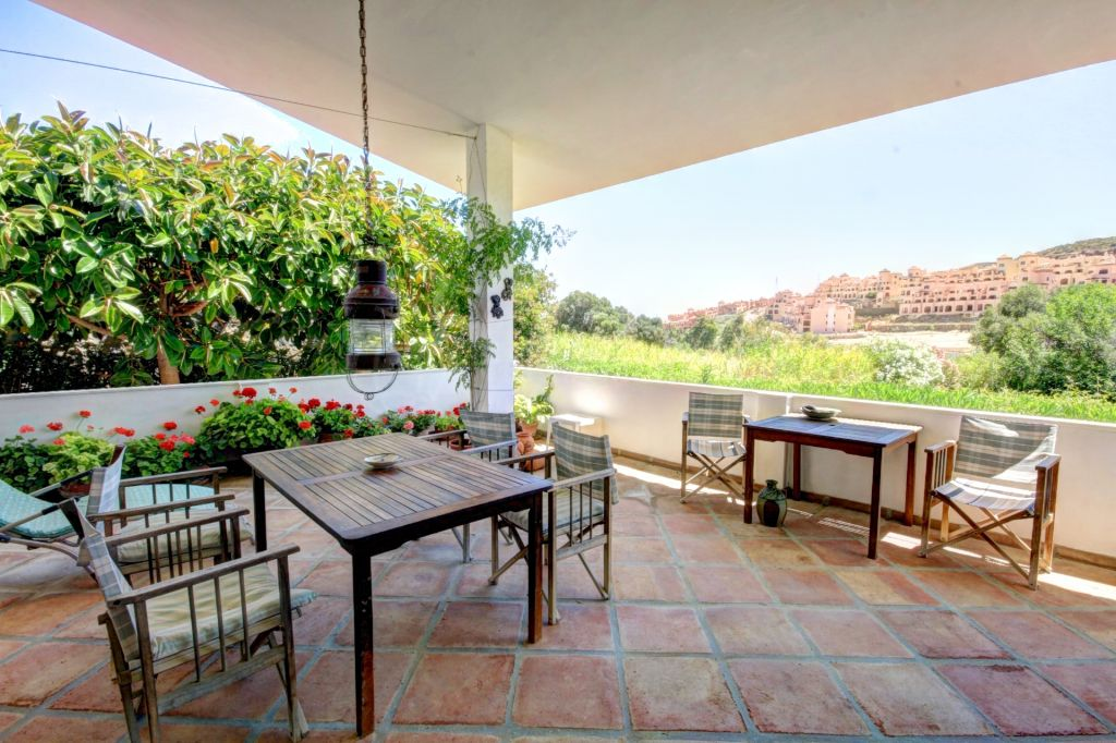 Estepona, Front line golf villa for sale in Valle Romano, Estepona, Malaga