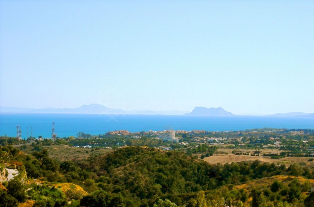 Estepona, Substantial plot with picture perfect views for sale on the New Golden Mile, Estepona