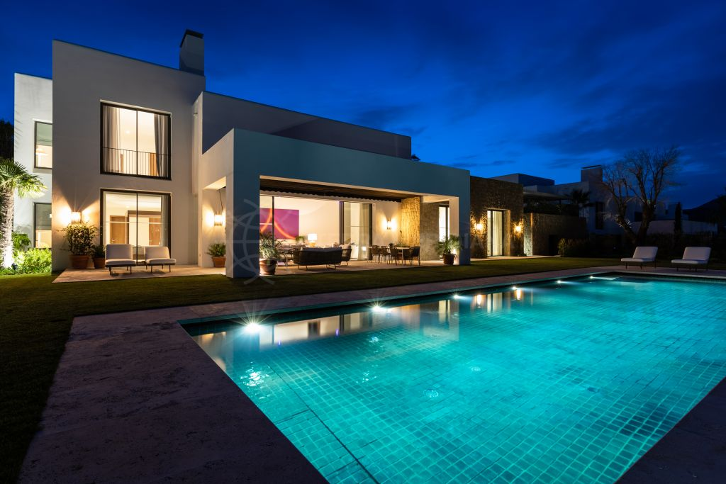 Casares, Luxury brand new front line golf 5 bedroom villa for sale in Cortesin Golf, Casares