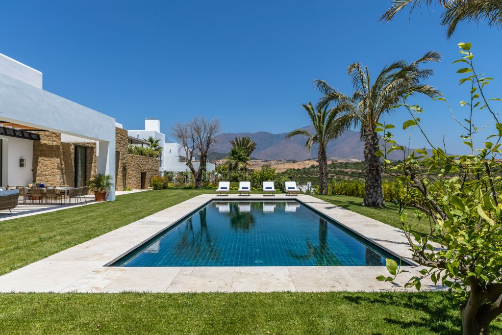 Casares, Brand new 6 bedroom luxury front-line golf villa, for sale in Cortesin golf, Casares
