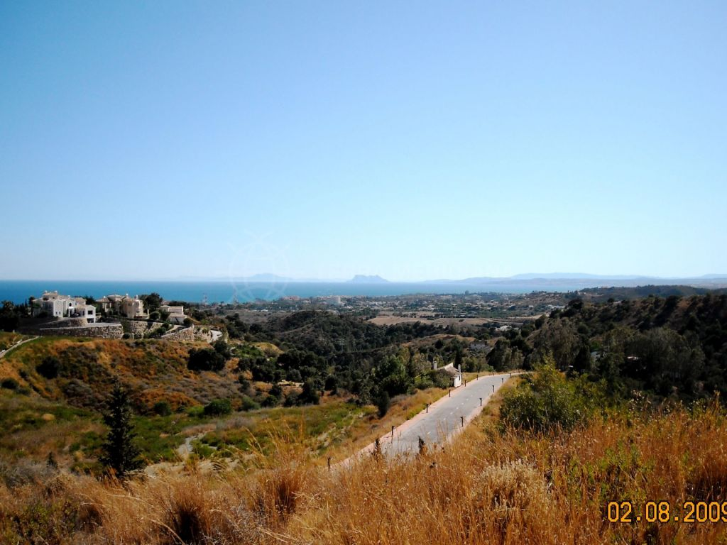 Estepona, Large villa plot with far-reaching views for sale on the New Golden Mile, Estepona