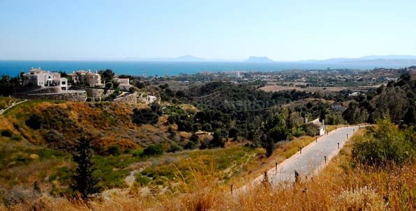 Estepona, Extensive plot for sale with scenic views on the New Golden Mile, Estepona
