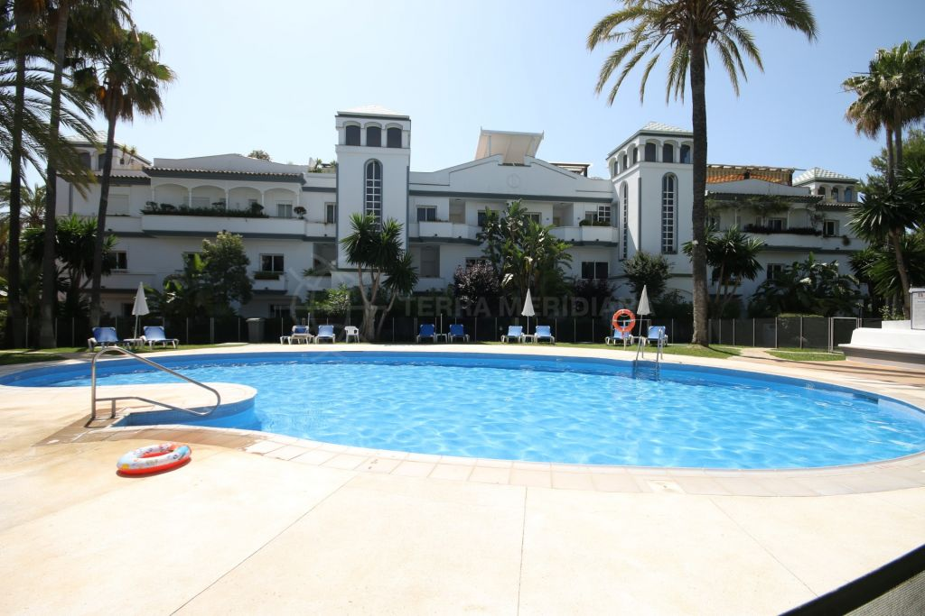 Estepona, Ground Floor Apartment for sale in Dominion Beach, a front line beach complex in Estepona