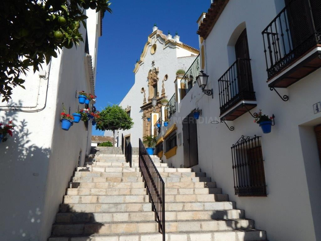 Estepona, Large plot for sale in Estepona old town, development opportunity