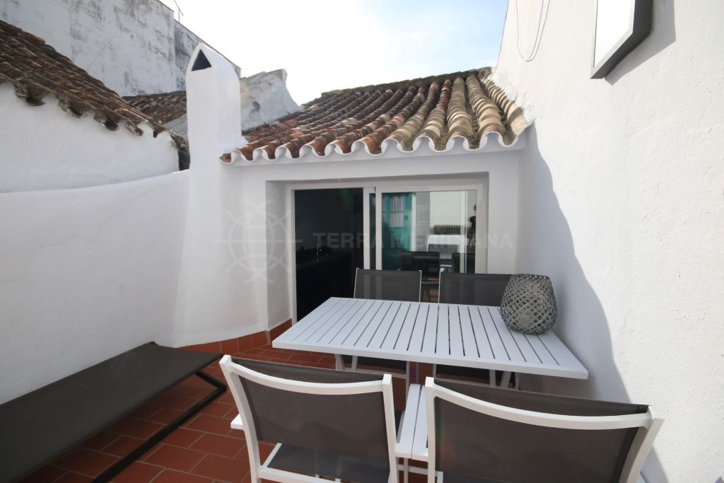 Estepona, Completely renovated townhouse for rent in Estepona old town, Estepona Town Centre