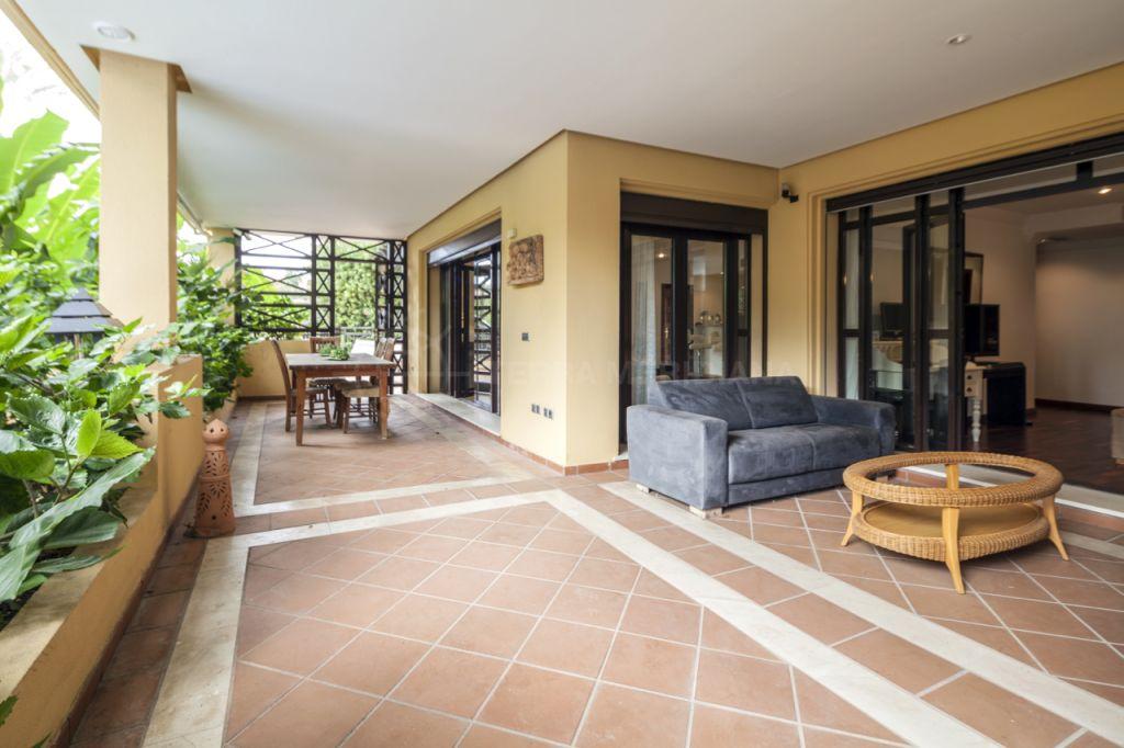 Marbella - Puerto Banus, 3 bedroom raised ground floor apartment for sale in La Bahia de Banus, a gated private community walking distance to Puerto Banus