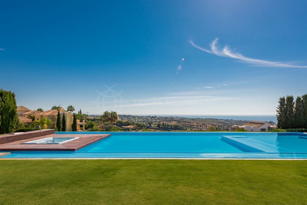 Benahavis, Ultra modern 7 bedroom villa for sale in Los Flamingos, Benahavis with infinity pool and sea views