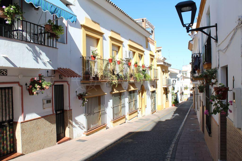 Estepona, Inmaculadamente apartamento reformado en venta en el corazón de Estepona Casco Antiguo