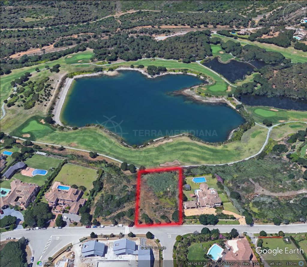 Sotogrande, Frontline golf plot of 3,450 m2 with outline planning permissions for sale in Almenara, Sotogrande