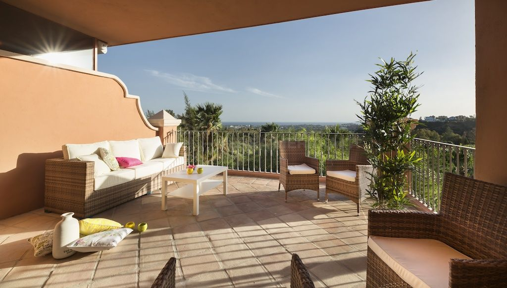 Benahavis, 3 bedroom duplex apartment for sale in private development Monte Halcones, Benahavis