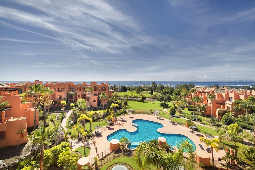 Estepona, 3 bedroom ground floor apartment, for sale in Andalusian style complex Sotoserena, Estepona