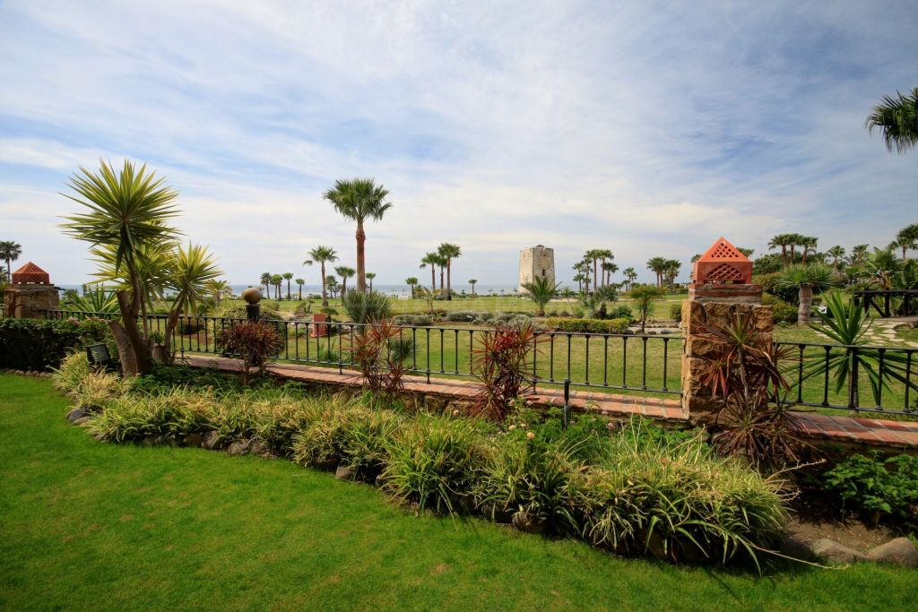 Estepona, Immaculate 3 bedroom apartment for rent in Torre Bermeja, Estepona