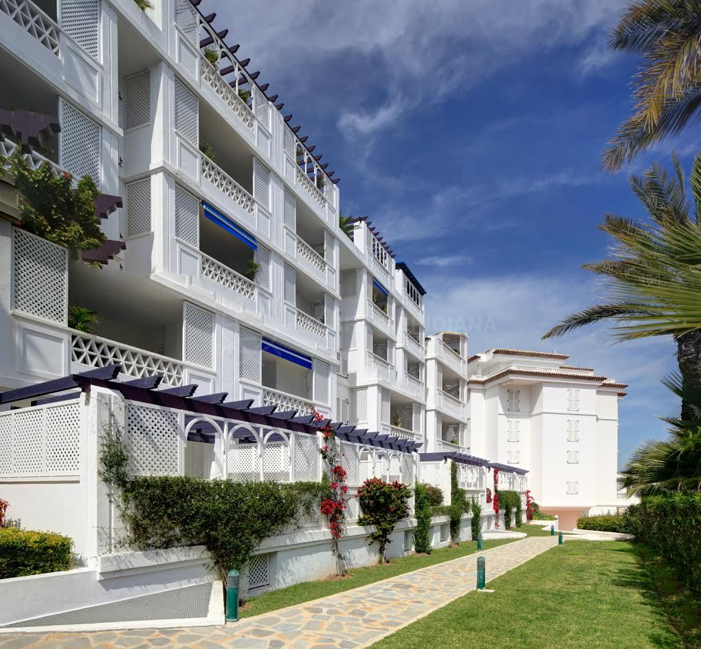 Marbella - Puerto Banus, Ground apartment for sale in Playas del Duque, an exclusive residential complex in Puerto Banus, Marbella